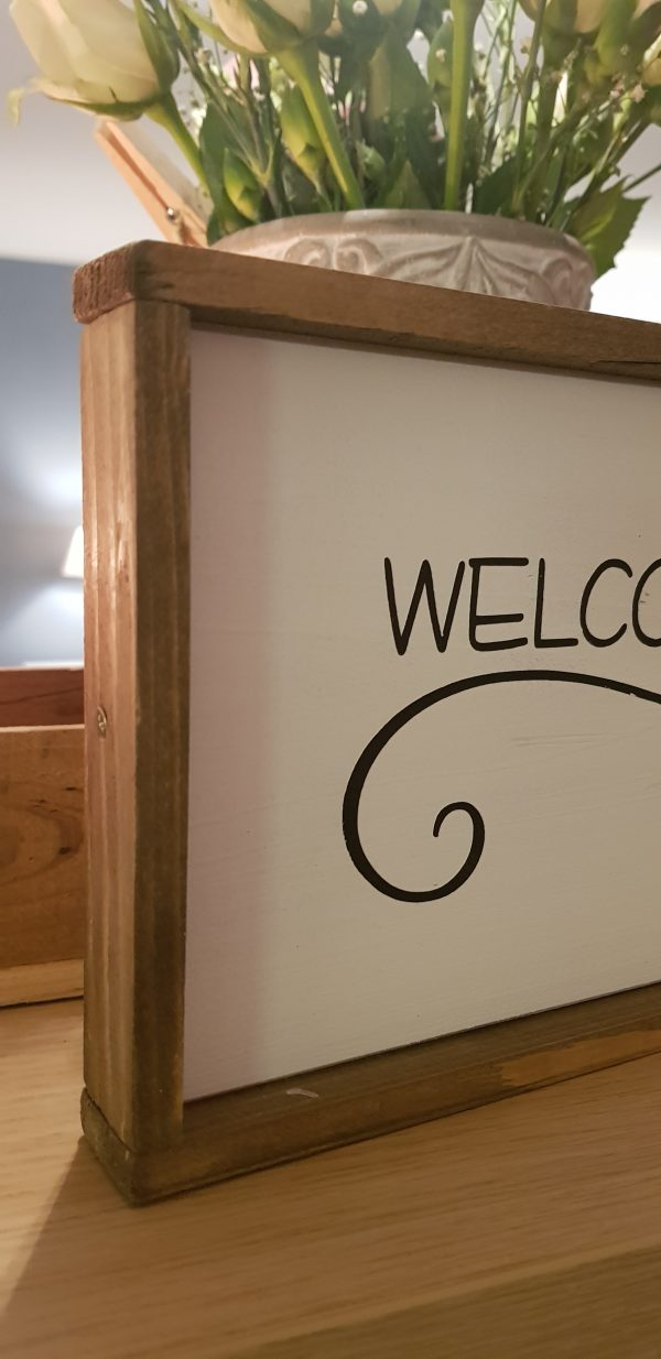 """Holzschild """"welcome home"""""""